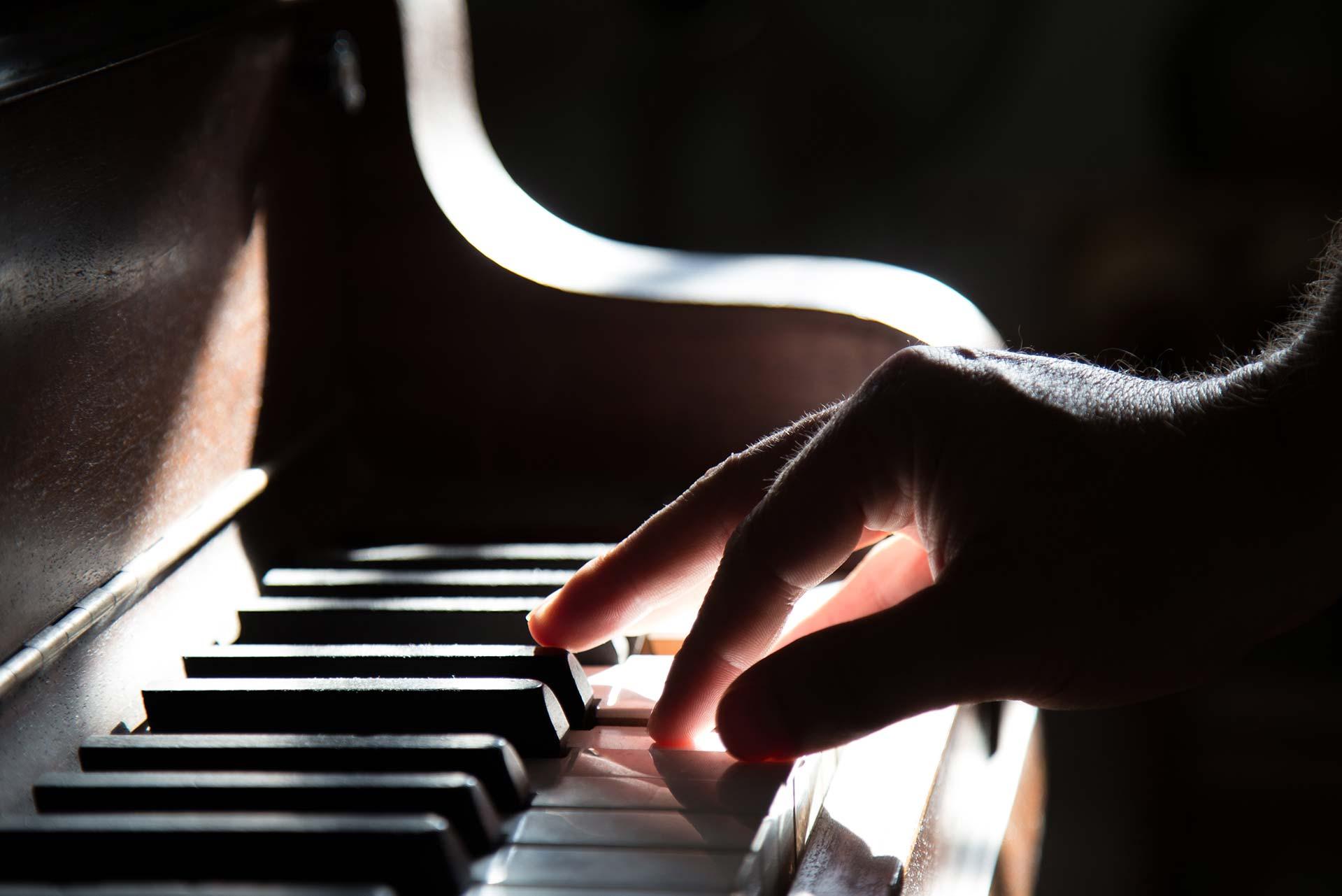 ¿Cómo saber cuál teclado o piano comprar?