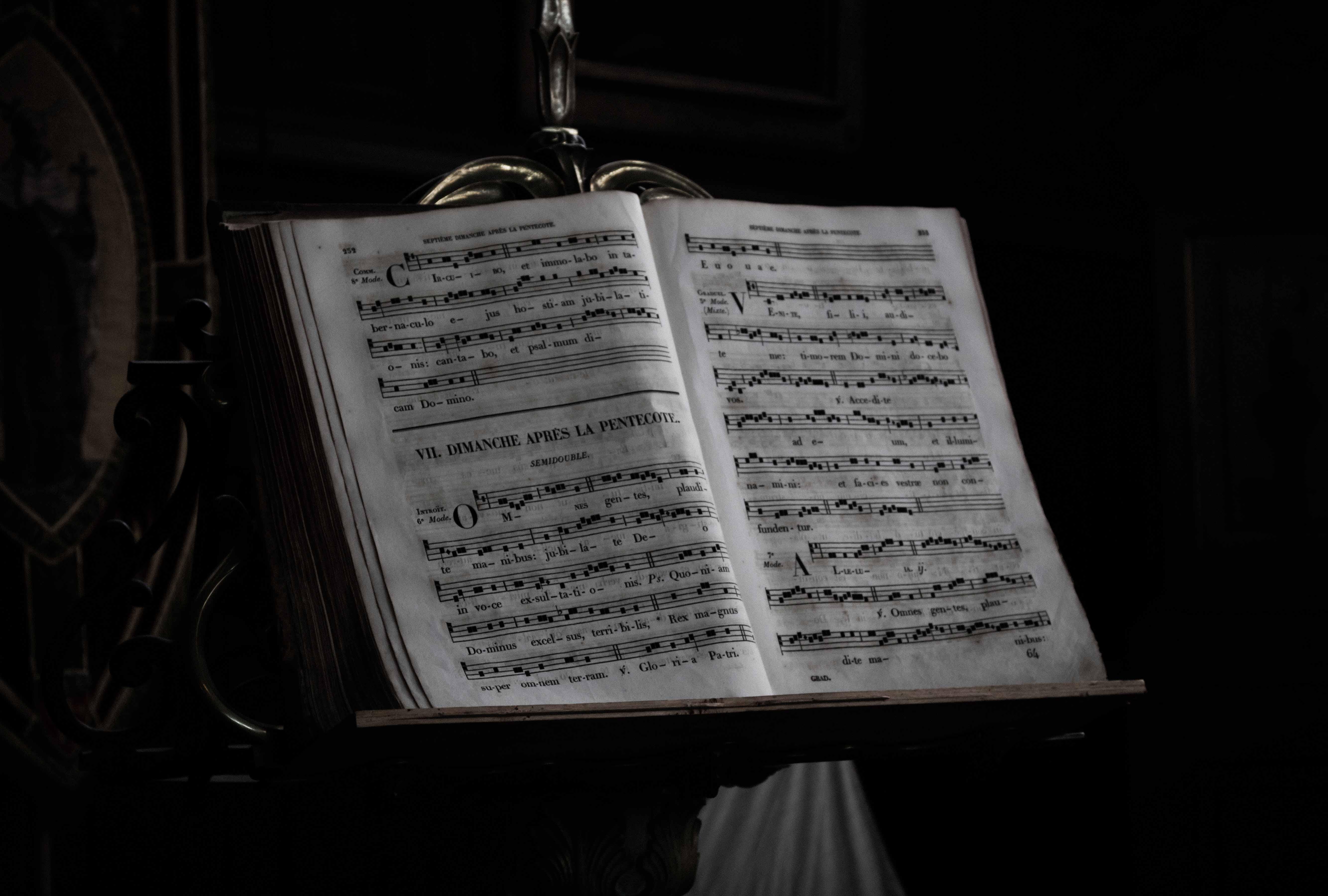 Minimalismo Sagrado: Gorecki y la Sinfonía de las Lamentaciones